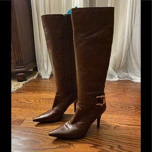 Burghandy Bandolino heeled boot size 6.5